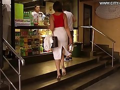 Cams4free.net - Secretary Irina barefoot in city profane feet