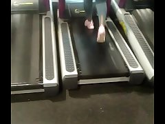 phat african ass on treadmill